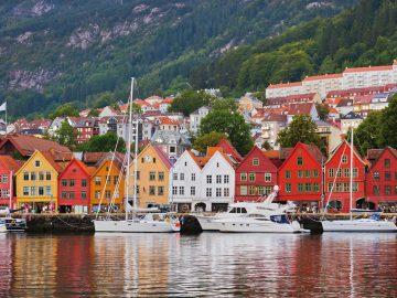 famous-bryggen-street-in-bergen-norway